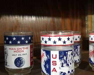 Moon landing glassware set