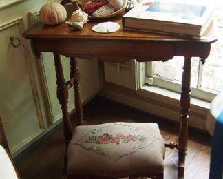 Darling Vintage Table and ottoman