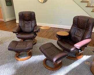 Stressless chair pair with swing tables