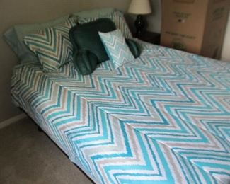 Excellent bed - headboard and footboard are in another picture (stored in basement)