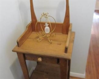Primitive entry way drawered wash stand