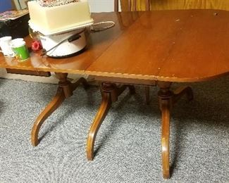 MID CENTURY TABLE THAT GOES WITH CHAIRS