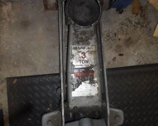 three 3 Ton Hydrolic  floor jack