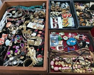 100s of pieces of costume jewelry.