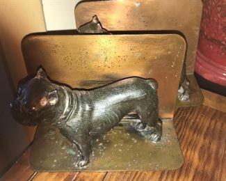 Vintage metal dog bookends.