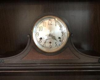 Antique Seth Thomas mantle clock.