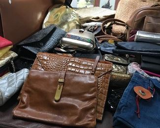 Lots of purses and other accessories.