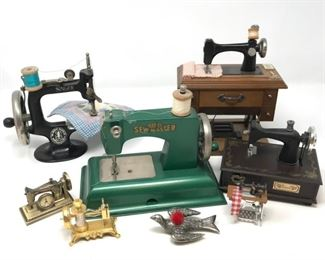 Toy Sewing Machines & Collectibles https://ctbids.com/#!/description/share/190044