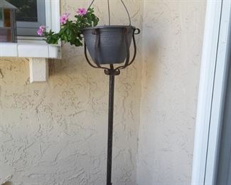 Metal 3 Footed Plant Stand with Decorative Planter - Hanging Plant