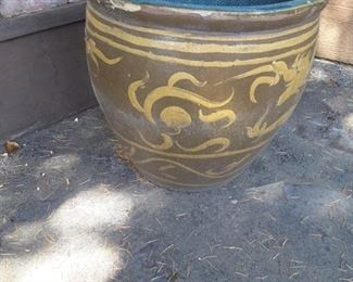 Oversized Very Heavy Ceramic Planter Pot. Please bring a Dolly and 2 Friends to move this item.