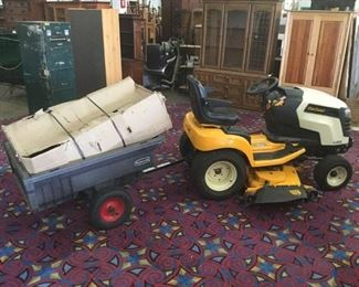 Lot 107 - Cub Cadet GT 2050 Riding Lawn Mower with Rubbermaid Trailer. 251.8 hours on motor
