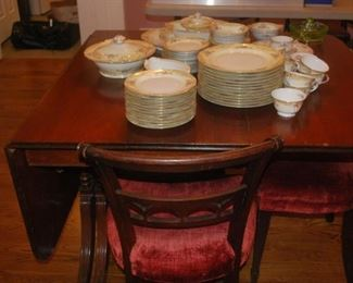 Larger Duncan Phyfe with 6 chairs //  NIce China