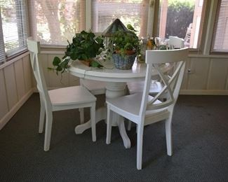 Table & Chairs, Home Decor