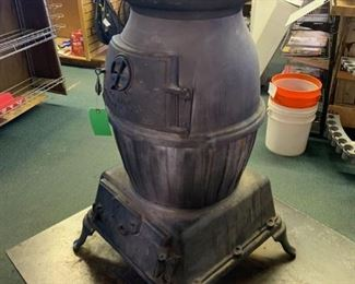 U.S. Army Cannon Heater #20 - Wood Burning Stove
