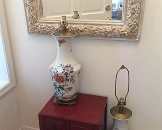 Porcelain lamps white heavy mirror-lacquered chest