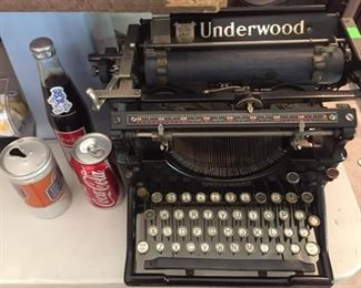 collectible cans & bottles-great old Underwood-fab condition