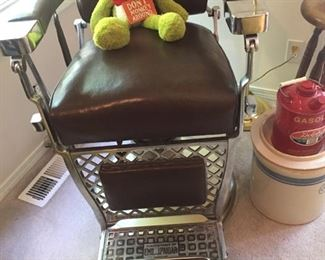 great barber chair-attached strop & monkey to practice on