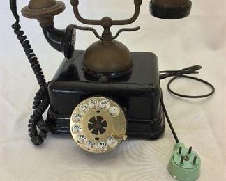 "United States Telephone Company Model US-4 Serial No. 2400B, 1969, 9"" H."