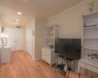 White Dresser , 40 Inch Flat TV, Lamps &  Silver Mirror