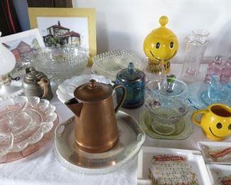 Glassware, vintage holiday ash trays