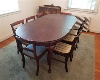 Dining Room Table With Leaf and Table Pads