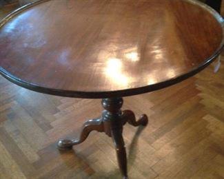 Larger English mahogany antique tilt top tea table