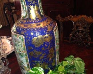 Striking  antique Japanese vase