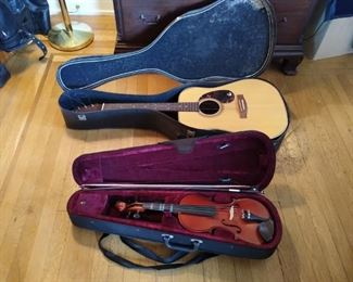 Gibson guitar in tune and gently played. PR-715 1987 model.