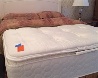 Sealy Mattress Full size bed