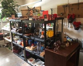 garage -decor- tools - hh - holiday more-