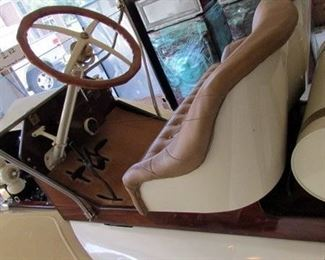 1914 Ford Model T restored car- just lovely !