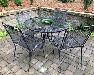 Outdoor Metal Patio Set - Table / 4 Chairs $ 168.00