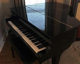 Kawai GM-10 Grand Piano in excellent condition - # 2435370 - THIS ITEM HAS A RESERVE AND WILL NOT FOLLOW SALE REDUCTIONS !