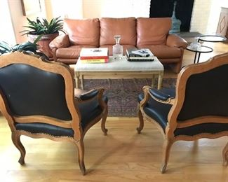 French Round Breakfast Table with 2 Extra Leaves