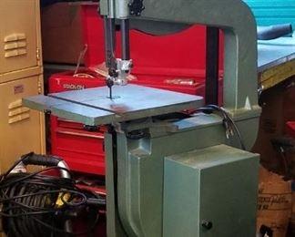 003 Wood Cutting Bandsaw