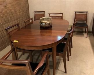 "Mt. Airy John Stuart ""Janus"" Collection Dining Room Table w/2 Leaves + 8 Chairs;"