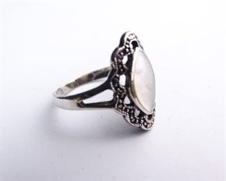 925 Sterling Silver Pearlescent Small Ladies Ring