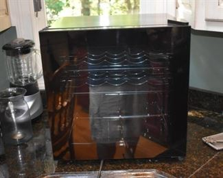 Counter top wine refrigerator