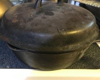 Vintage cast iron chicken fryer