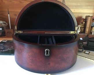 Men's vintage valet box by Bombay