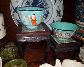 Several pieces of antique Chinese porcelain