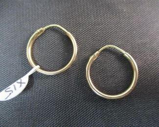 14K Gold Small Hoop Earrings