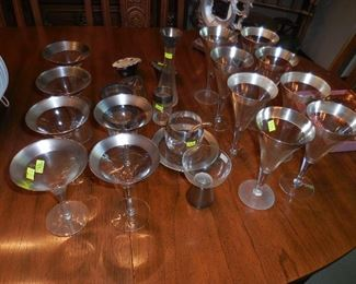 Dorothy Thorpe Silver Band glassware