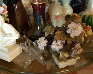 GLASS TABLE. GLASS FLOWERS.