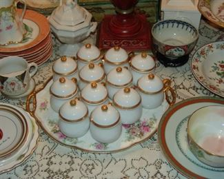 Set of porcelain portacreams