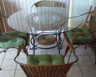 Kitchen Set w/4 Chairs