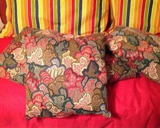 Set of four decorative pillows