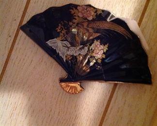 Oriental fan plate