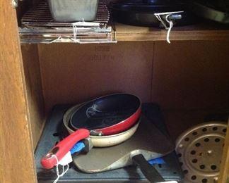 Broiler rack, More baking dishes,cooling racks, skillets