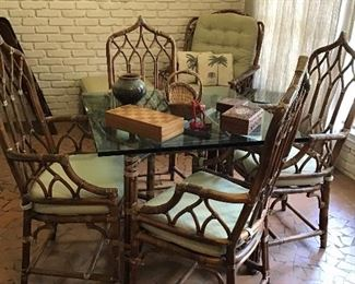 Vintage Rattan table and 4 chairs